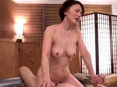 japanese-amateur-asian-big-boobs-mother