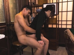 a-working-girl-in-a-private-mahjong-hall-p1