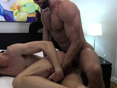 hungry-bottom-gets-brutally-inseminated-by-alpha-muscle-top